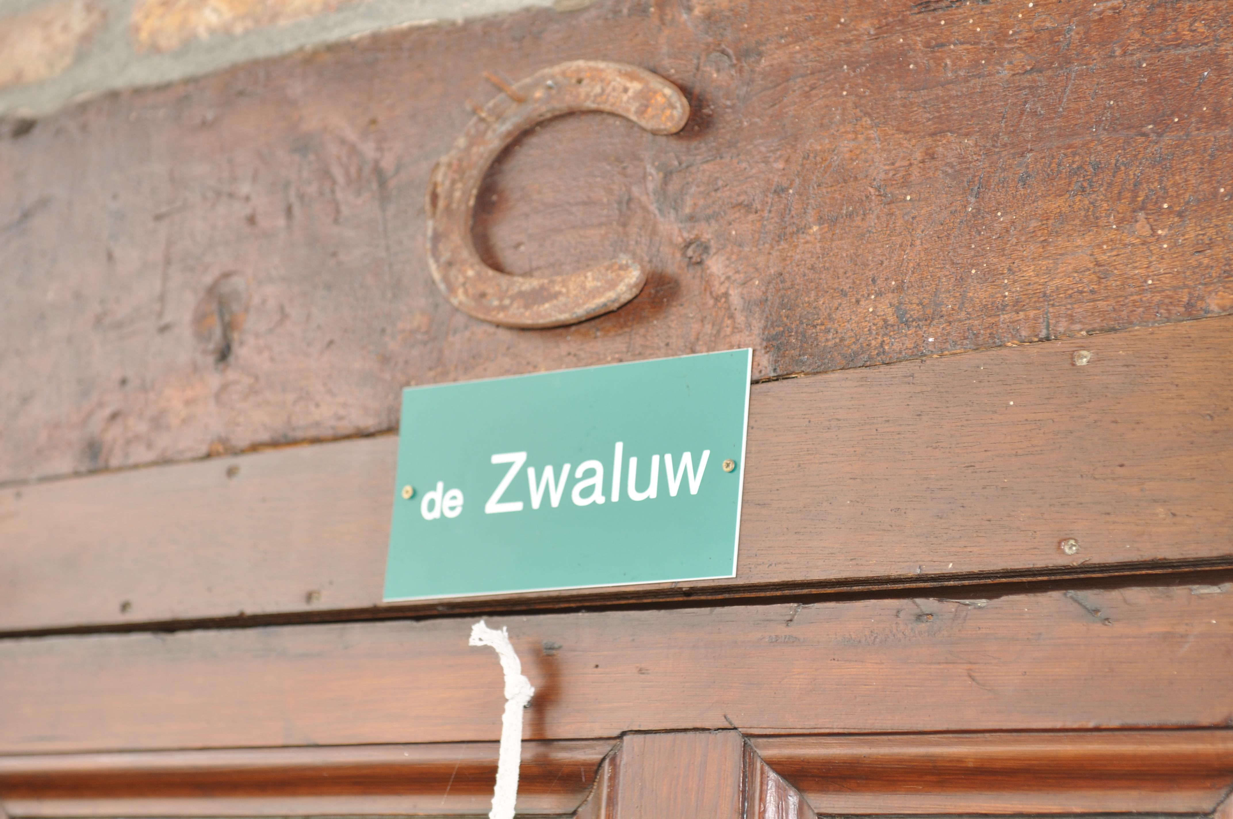 Frensjerhofke naambordje huisje de Zwaluw