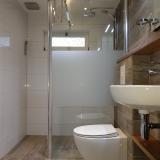 Badkamer in huisje de Zwaluw