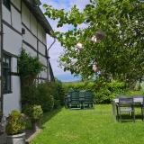 Frensjerhofke Vakantiewoningen tuin bij de Lijster